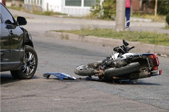 Motociclista ferido após colisão com ligeiro em Paredes