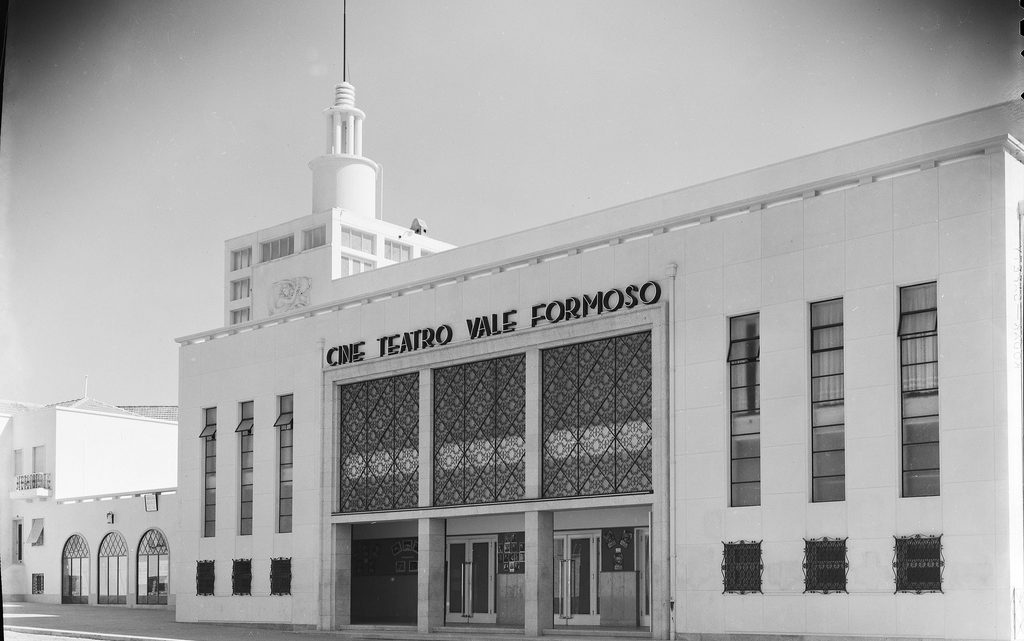 Câmara do Porto quer classificar o Cineteatro Vale Formoso como conjunto de interesse municipal
