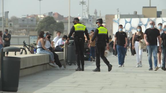 Polícia obrigada a dispersar multidões junto à praia de Matosinhos