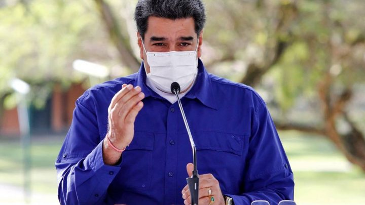 COVID-19: Venezuela propõe troca de petróleo por vacinas
