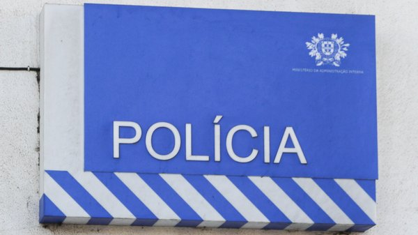 "Falsos fiscais do ""Censos 2021"" roubam idosos no Porto"