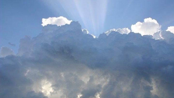 Dia do Trabalhador comemorado com nuvens e chuva fraca