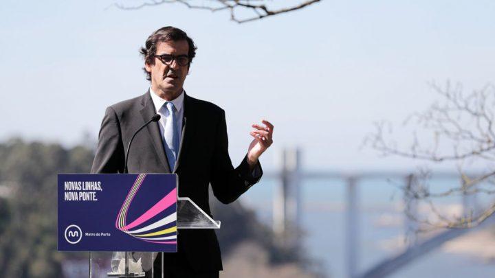 Câmara do Porto adia assinatura de contrato de lançamento do concurso para a nova ponte