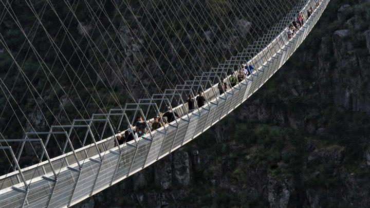 Nova ponte de Arouca atrai milhares de turistas e cria empregos na região